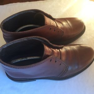 L.L.BEAN VINTAGE BROWN LEATHER CHUKKA BOOTS 8